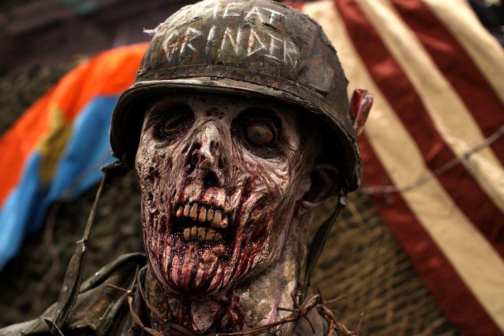 Un zombie en una de las multiples marchas zombies realizadas alrededor del mundo. CC BY Gake Skidmore.
