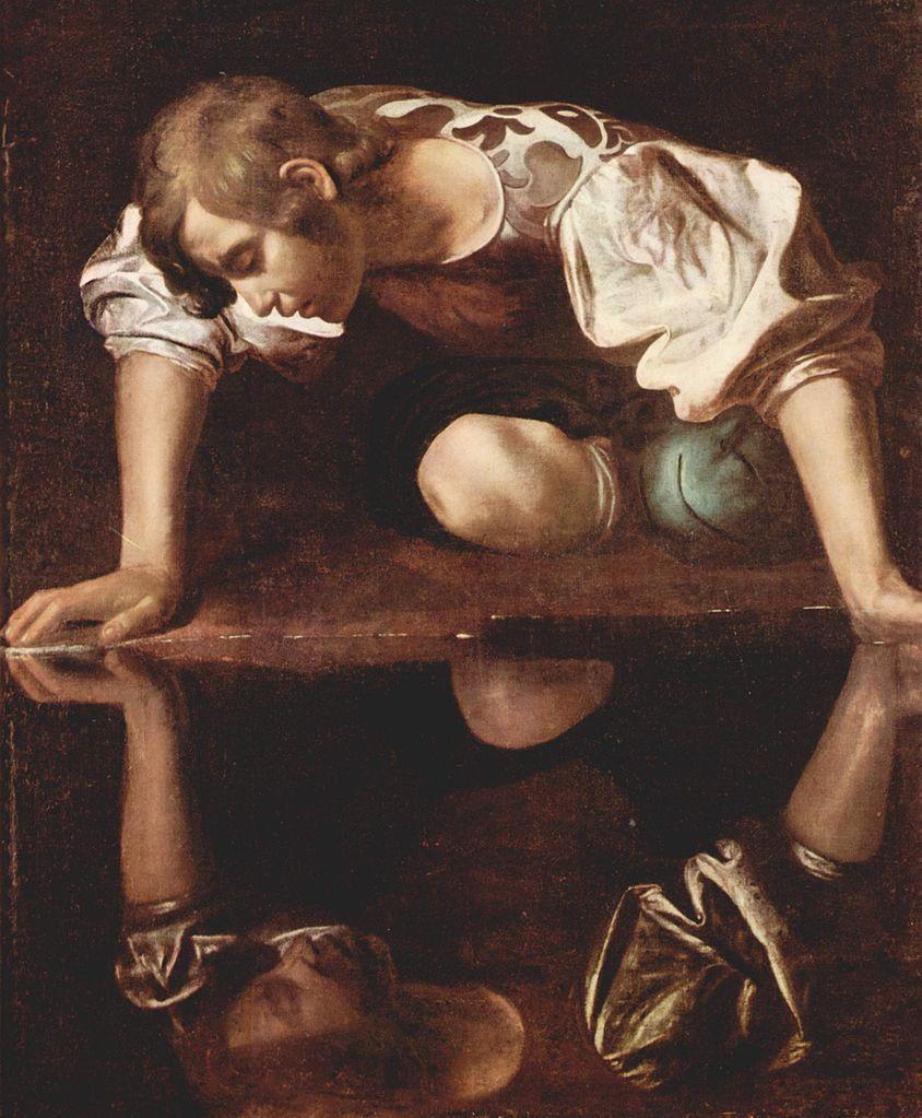 Narciso enamorado de su reflejo en un óleo atribuido a Caravaggio. Vía Wikimedia Commons