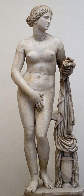 Copia de la Afrodita de Cnido realizada por artistas romanos en el siglo 4. Vía Wikimedia Commons.