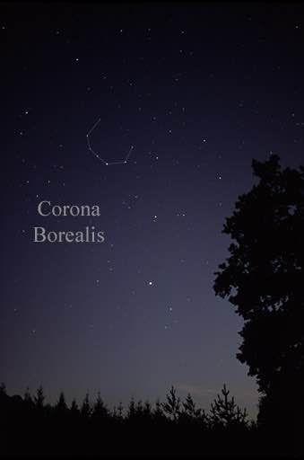 Corona Borealis constelación asociada a menudo con Ariadna, siendo según los relatos mitológicos considerada como la representación de su corona. Vía Wikimedia.